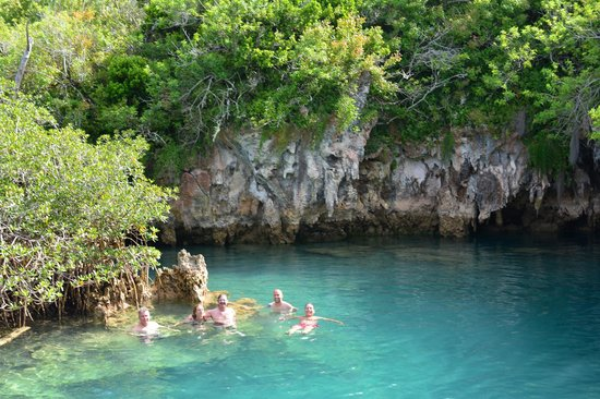 Blue Hole Park : swimming in the Blue Hole