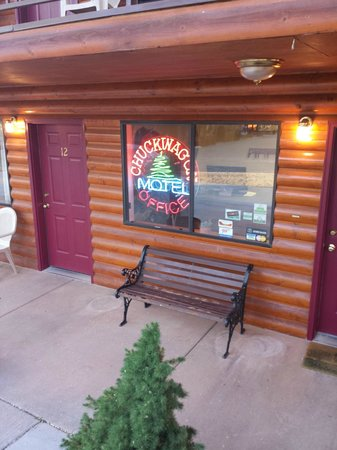 Austin's Chuckwagon Lodge and General Store : The lodge office