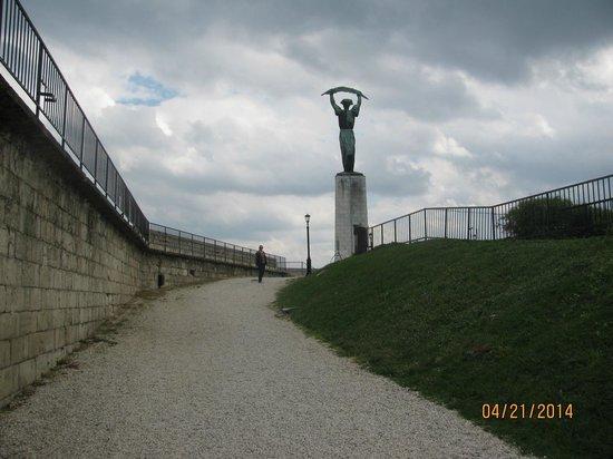 Gellért-hegy : entrada da cidadela
