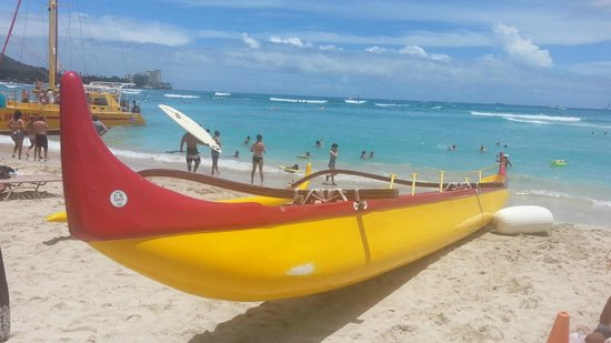 Aloha Beach Services: the canoe on Waikiki