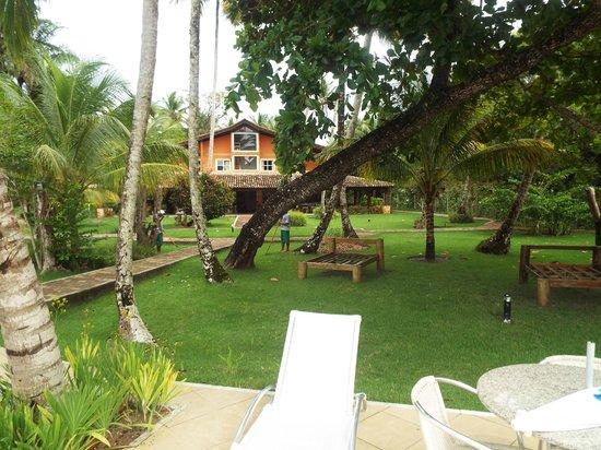 Karapitangui Praia Hotel: Diversão na piscina a noite
