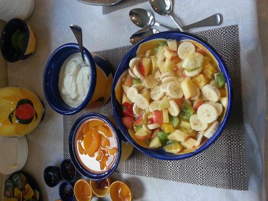 Bavaria Bed & Breakfast Hotel: Breakfast