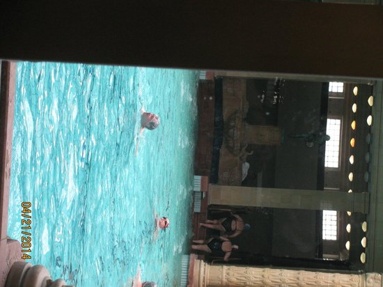 Széchenyi Baths and Pool : piscinas das thermas gellert