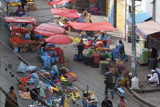 Hotel Milton: Streetmarket outside