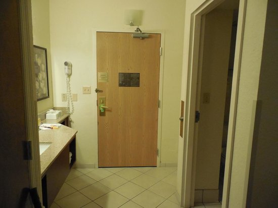 Comfort Inn: room entrance