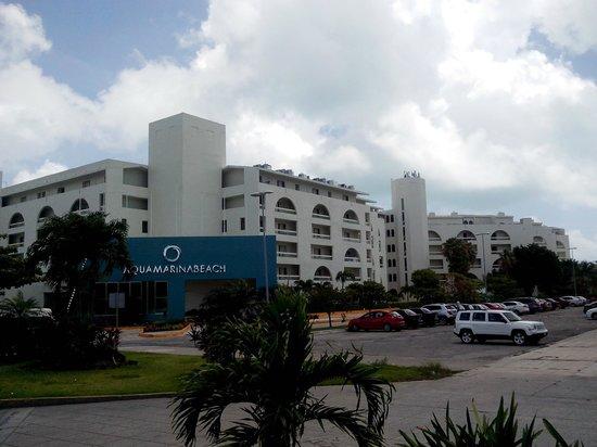Aquamarina Beach Hotel: Vista del hotel