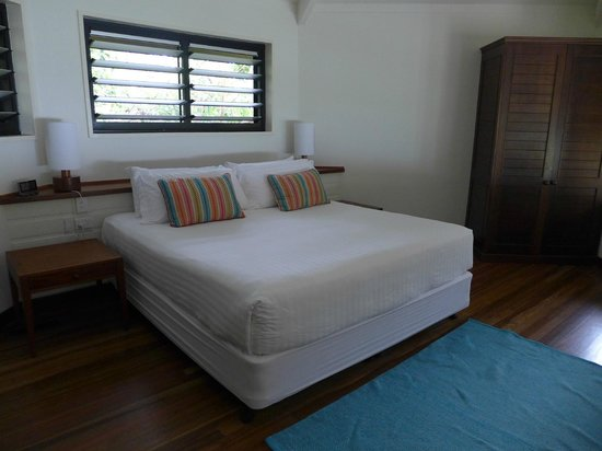 Bedarra Island Resort: Bed in split-level Oceanview Terrace villa
