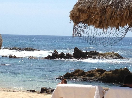 Grand Fiesta Americana Los Cabos All Inclusive Golf & Spa: View of the ocean from the beach