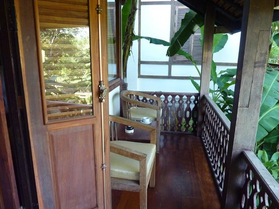 Le Bel Air Boutique Resort: Front porch on bungalow
