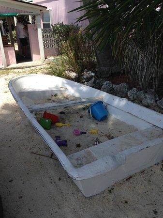Rainbow Bend Fishing Resort: Sandlot for tikes