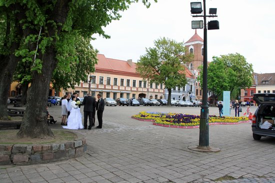 Old Town Kaunas : Wedding in city hall square