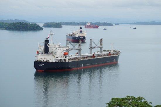 Esclusas del Canal de Panamá: Gatun Lake