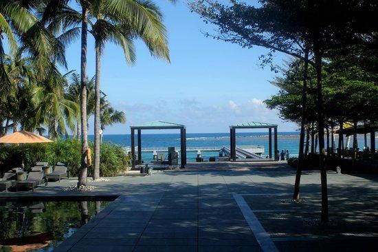 InterContinental Sanya Resort : Way to the beach area