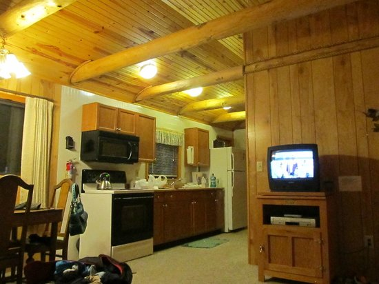 Bighorn Cabins Inc : looking from the den area into the kitchen
