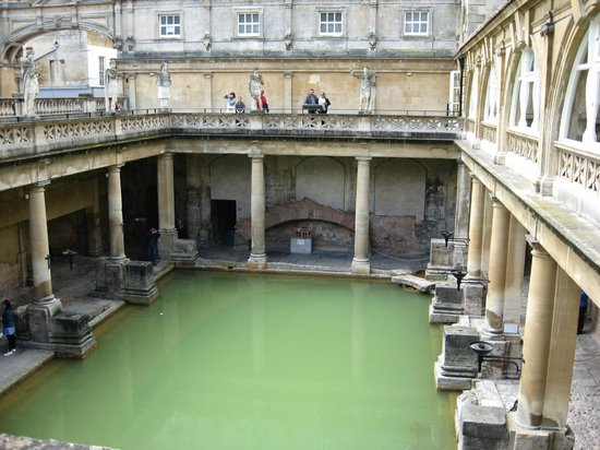 The Roman Baths: Great architecture - upper walkway