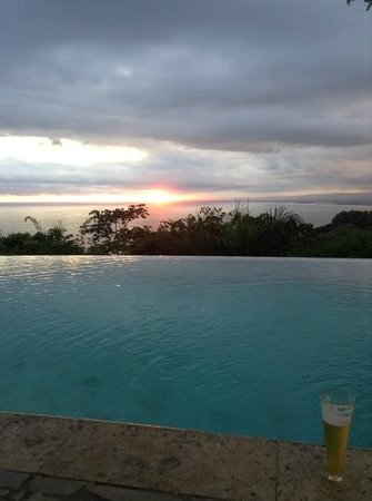 la mariposa hotel sunset view from the pool