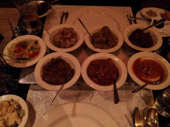 Long Pura: rice table