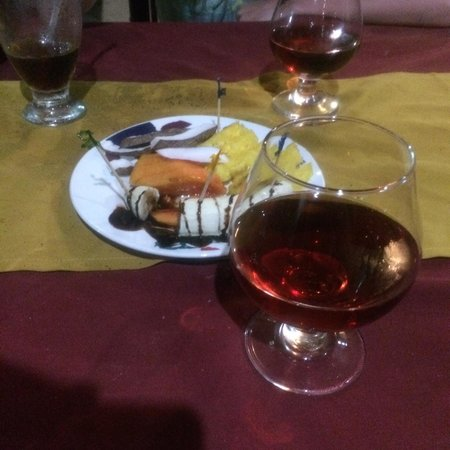 Captain Cook Restaurant : Fruit and Mamajuana