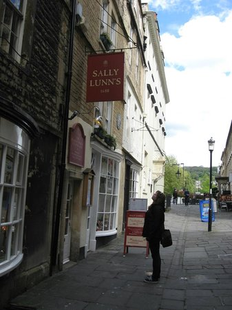 Sally Lunn's Historic Eating House & Museum : Sally Lunn's Buns