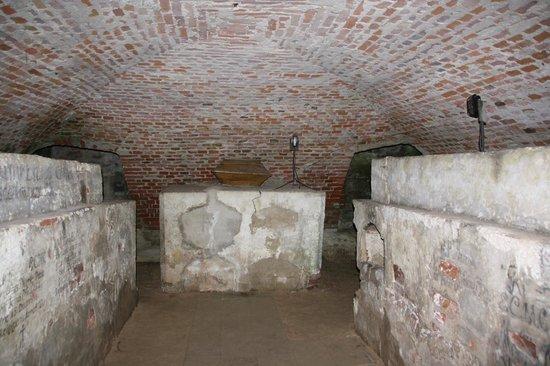 Pazaislis Monastery: Crypt