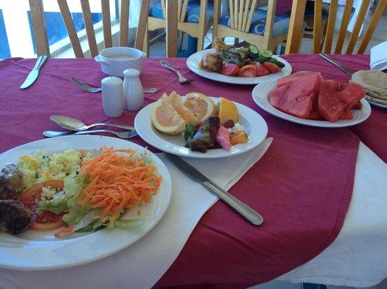 Sharm Cliff Resort: Ужин
