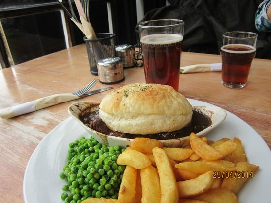 The Weir Hotel : A great meal for a cool day