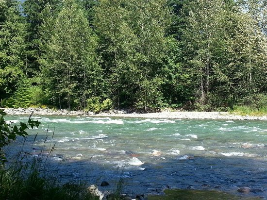 Coquihalla Campground: River View