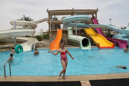 Desert Rose Resort : В авкапарке