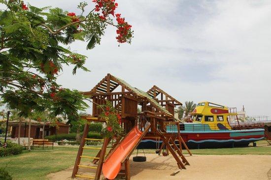 Desert Rose Resort : Детская площадка