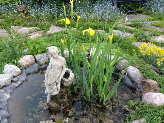 Ste. Anne's Spa: Herb garden