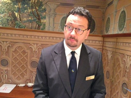 Rome Marriott Grand Hotel Flora: Massimo, the friendly Concierge!