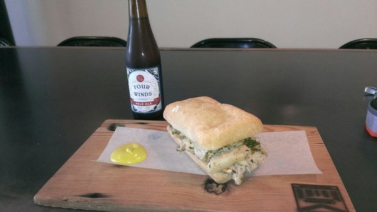 Meat & Bread : Porchetta Sandwich with Four Winds beer.