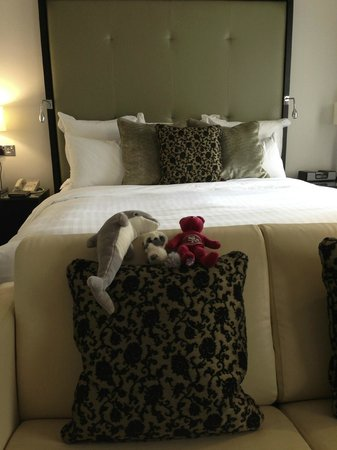 London Marriott Hotel Grosvenor Square : Superior Room: it was nice but some of the other rooms are more contemporary