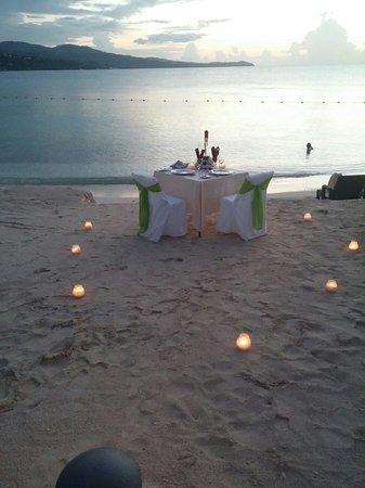 Secrets Wild Orchid Montego Bay: Sunset dinner, how romantic.