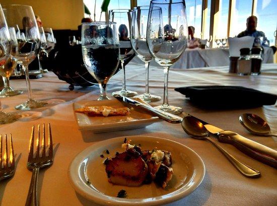 SeaVenture Restaurant: The edge of Paradise, Pismo Beach
