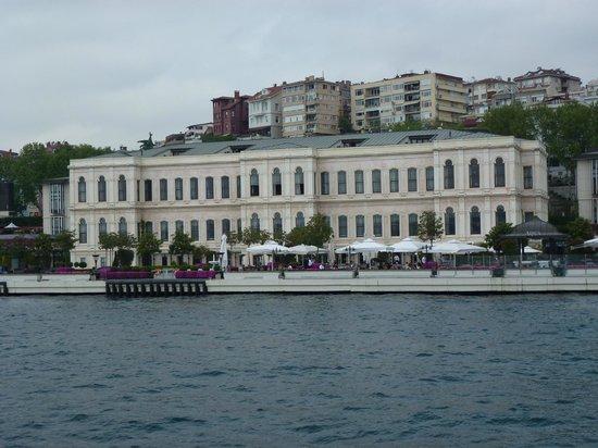 Four Seasons Istanbul at the Bosphorus: Bosphorus front