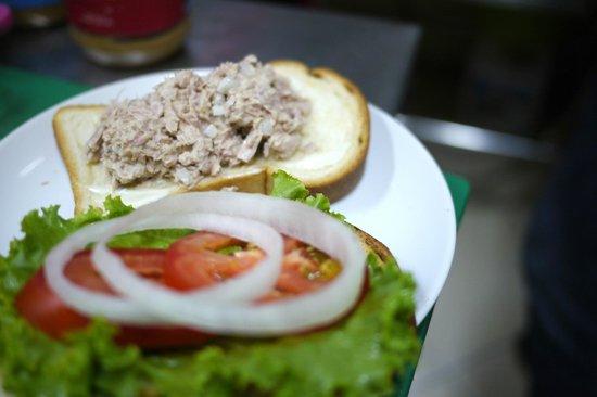Tamar Bakery & Restaurant : Tuna sandwich