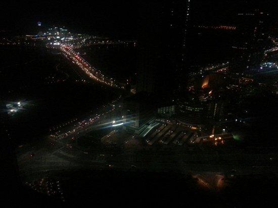 Jumeirah at Etihad Towers: المنظر من غرفتي في الطابق 44