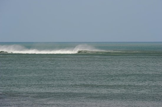 La Barra Surf Camp: Outer Reef Surfing