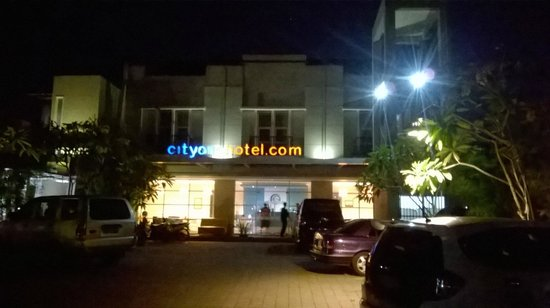 City One Hotel Lamper: tampak depan