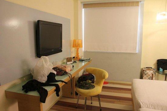 Ibis Styles Yogyakarta : TV in room