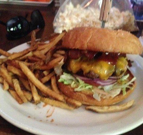 J & M Cafe: BBQ BACON Burger