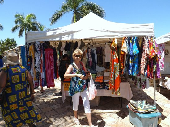 Pier 69 : Doing a little shopping in Federiksted, St. Croix