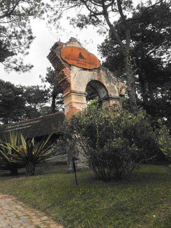 Ana Mandara Villas Dalat Resort & Spa: Ana Mandara's Gate