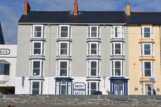 Gwesty Cymru: Front of Hotel