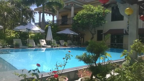 Huy Hoang Garden Hotel: hotel and pool