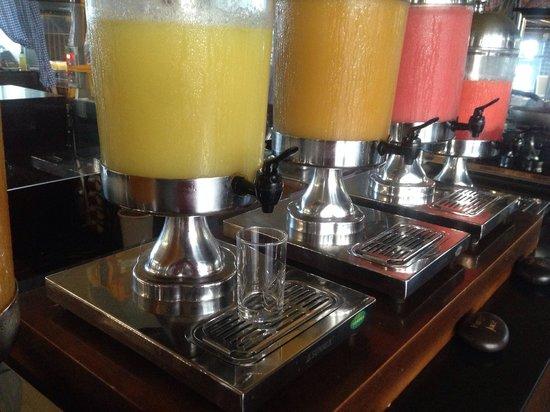 Legian Beach Hotel: Petit déjeuner : les jus de fruits