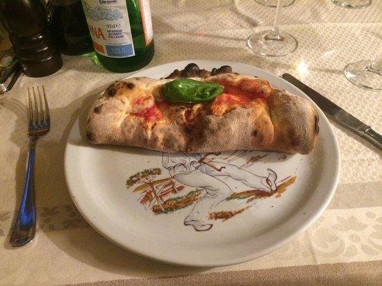Ristorante Pizzeria Tasso: Calzone supreme!