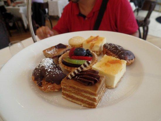 Harlequin Restaurant : postres Afternoon Tea