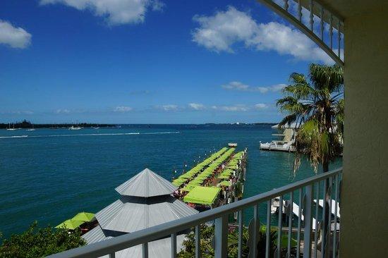 Ocean Key Resort & Spa: 隣にある桟橋